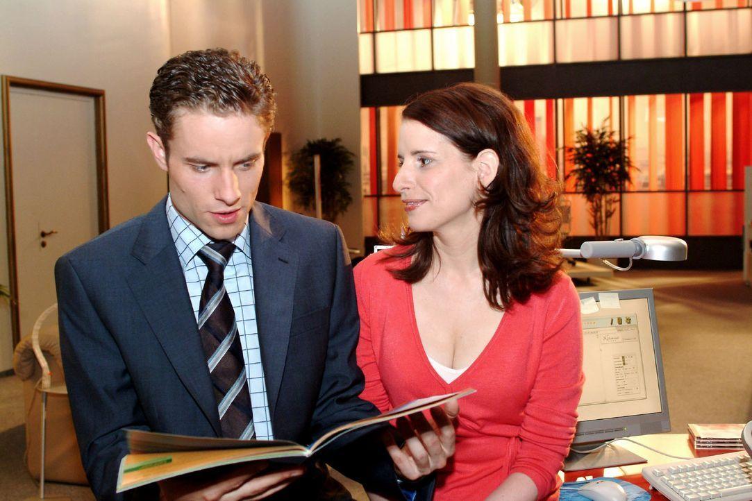Inka (Stefanie Höner, r.) versucht einen weiteren Anlauf bei Max (Alexander Sternberg, l.). Sie fragt ihn, ob er sich vorstellen könne, mit ihr in... - Bildquelle: Sat.1
