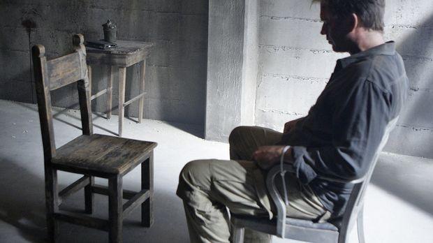Tony (Michael Weatherly) wird in Somalia festgehalten und unter Drogen gesetz...