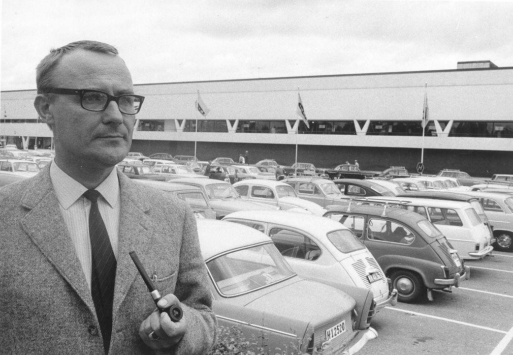 Ingvar Kamprad, vor dem ersten Ikea Geschäft 1967