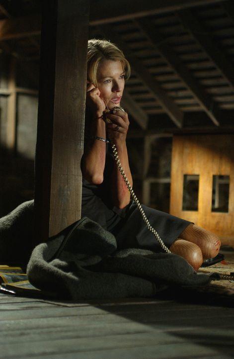 Ihr Leben hängt an einem einzigen Telefonat: Jessica (Kim Basinger) ... - Bildquelle: Warner Bros. Pictures