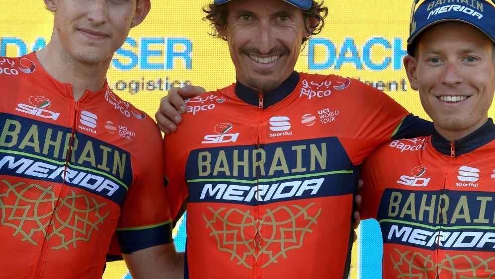 Prominente Unterstützung für das Team Bahrain-Merida - Bildquelle: AFPSIDJORGE GUERRERO