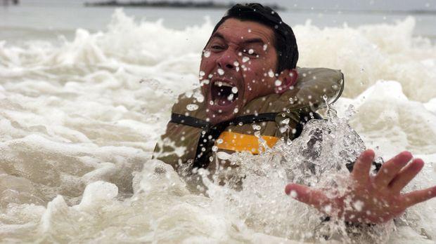 Während seine alle Kollegen in der tobenden Sargasso See ertrinken, gelingt e...