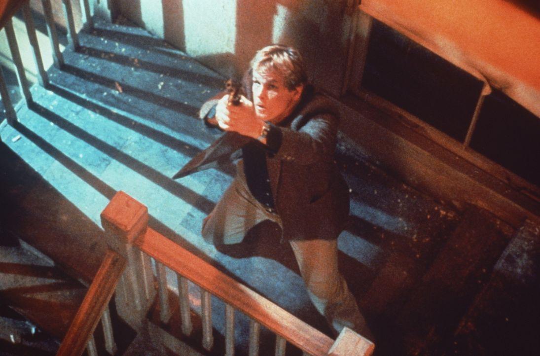 Während der wortgewandte Reggie als nervtötendes Plappermaul seine Probleme einfach totschwatzt, beseitigt Jack (Nick Nolte) sie lieber mit dem Sc... - Bildquelle: Paramount Pictures