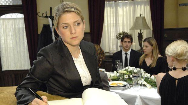 Anna (Jeanette Biedermann) entdeckt, dass sie und Jonas unabhängig voneinande...