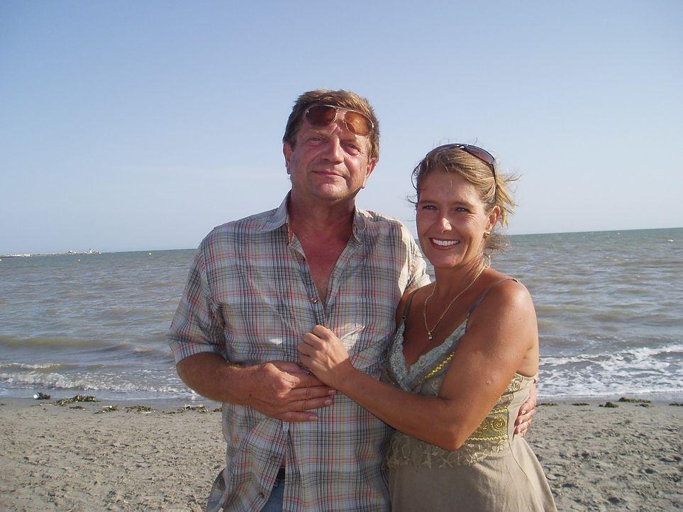 Viktoria Händlmeier (39) und Ewald Simmerlein (55) sind im März mit ihrem Bratwurststand von Bayern an die Costa Blanca gezogen. Die unternehmungslu... - Bildquelle: kabel eins