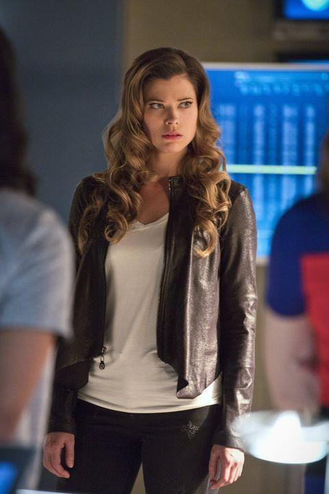 Braucht Lisa Snart alias Golden Glider (Peyton List) wirklich nur bei der Suche nach ihrem Bruder die Hilfe von Flash und seinen Freunden? - Bildquelle: 2015 Warner Brothers.