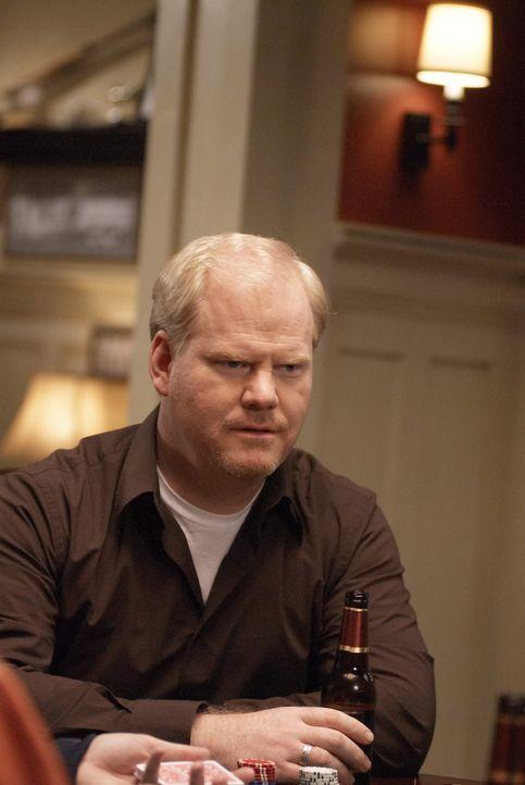 Andy Franklin (Jim Gaffigan) nutzt die Pokerabende mit seinen Freunden, um von Beruf und Familie abschalten zu können ... - Bildquelle: 2006 Sony Pictures Television Inc. All Rights Reserved.