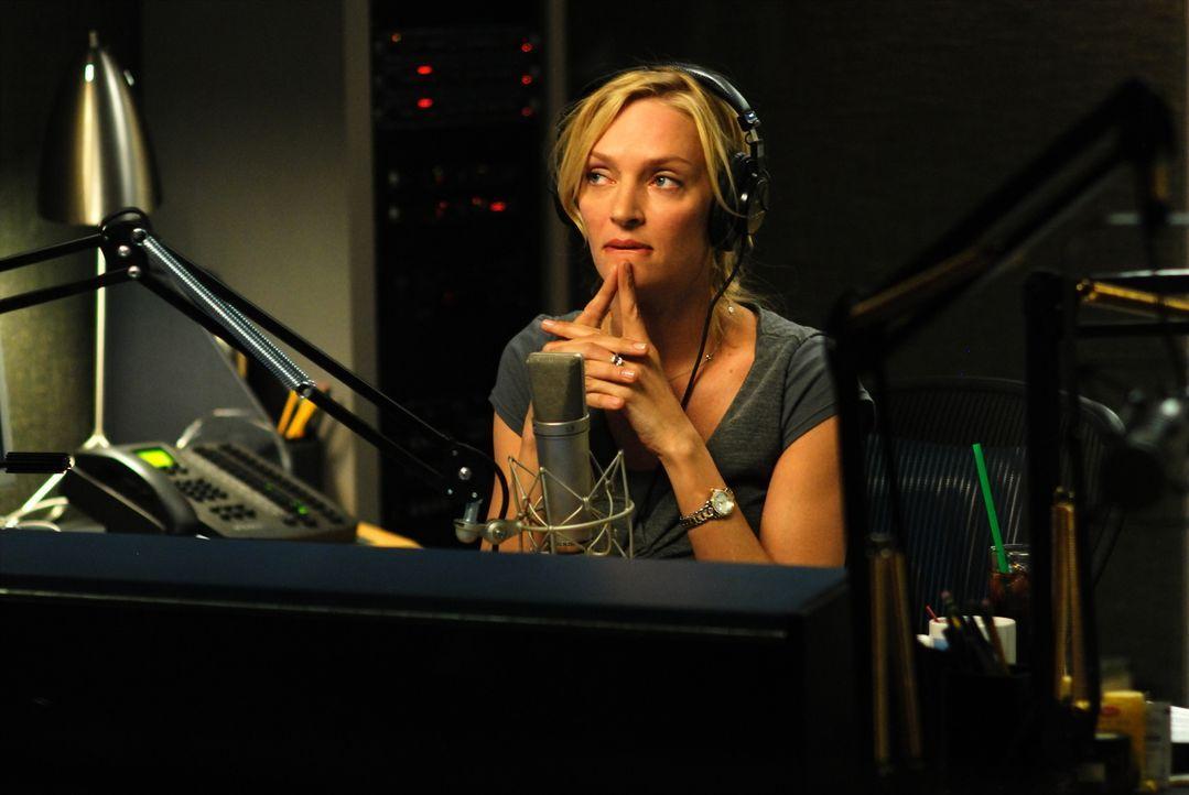 Die erfolgreiche Radio-Moderatorin Emma Lloyd (Uma Thurman) steht ihren Zuhörern in allen Beziehungsfragen immer gerne zur Seite. Doch als sie einer... - Bildquelle: 2008 Accidental Husband Intermediary, Inc. All Rights Reserved.