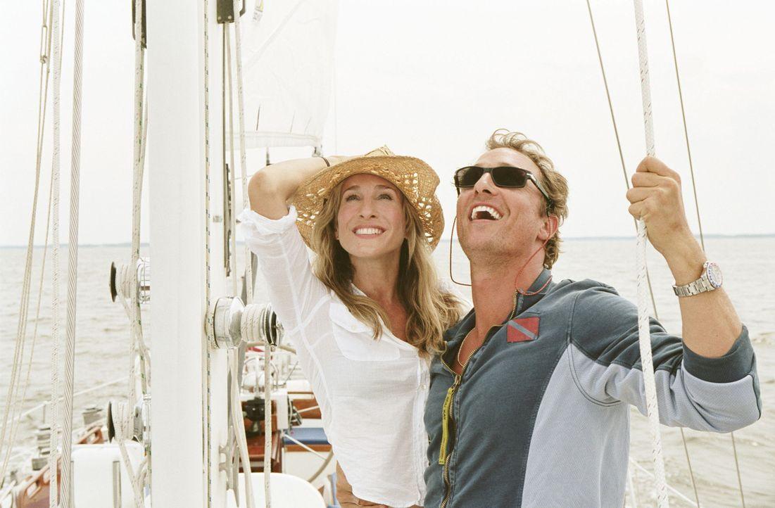 Ein Job, den Paula (Sarah Jessica Parker, l.) angenommen hat, führt sie und Tripp (Matthew McConaughey, r.) zusammen. Doch ist es wirklich Liebe? - Bildquelle: TM &   Paramount Pictures. All Rights Reserved.