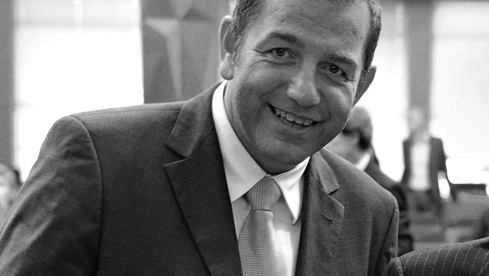 DFL-Manager Tom Bender mit 52 Jahren gestorben - Bildquelle: AFPSIDCHRISTOPHE SIMON
