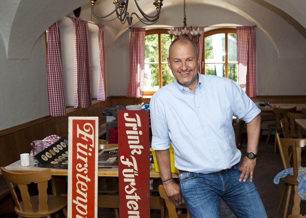 Diesmal muss Frank Rosin (Foto) nicht nur ein Restaurant, sondern gleich ein ganzes Hotel retten ... - Bildquelle: kabel eins