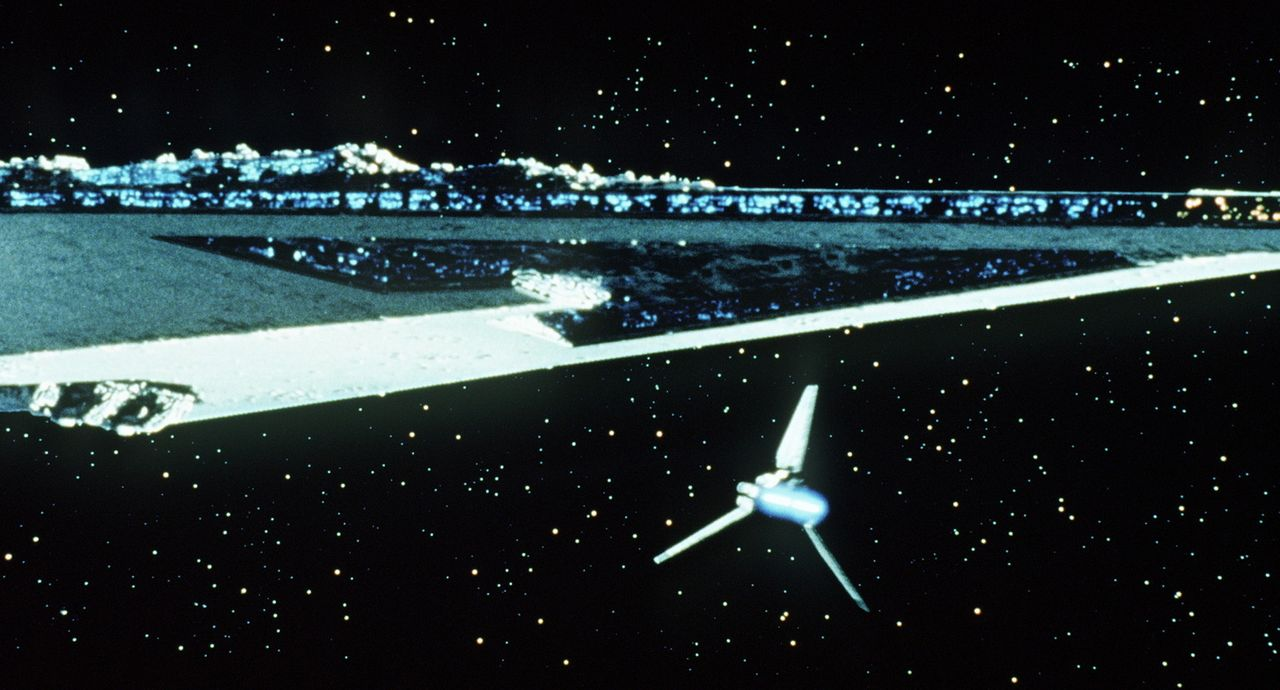Darth Vaders Shuttle auf dem Weg zu seinem Mutterschiff ... - Bildquelle: Lucasfilm LTD. & TM. All Rights Reserved.