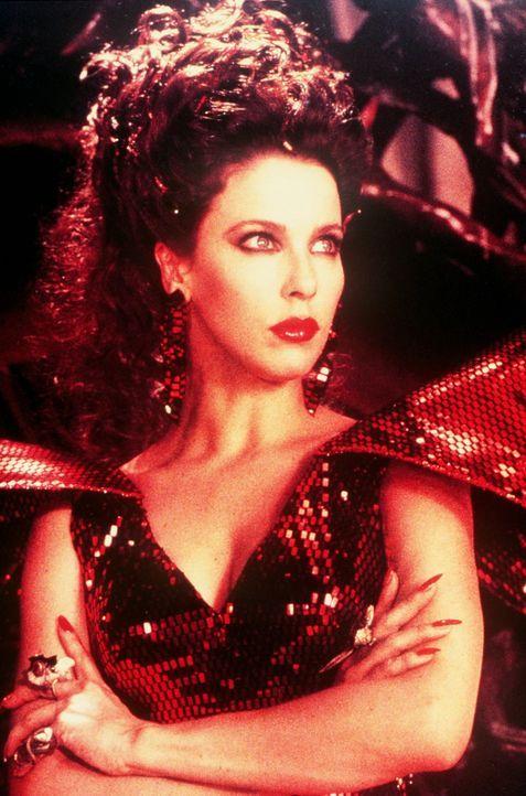 Die böse schwarze Magierin Xayide (Clarissa Burt) versucht, Phantásien, das Reich der Kindlichen Kaiserin, auf furchtbare Art und Weise zerstören... - Bildquelle: Warner Bros.