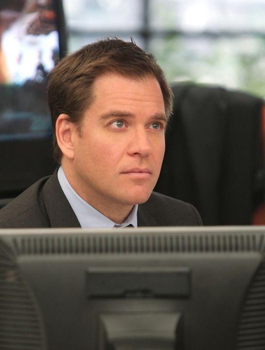 Travis Wooten wird in seinem Garten tot aufgefunden. DiNozzo (Michael Weatherly) und seine Kollegen beginnen mit den Ermittlungen ... - Bildquelle: CBS Television