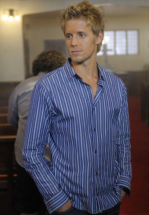 Sully (Matt Barr) hat ein dunkles Geheimnis vor seinem besten Kumpel Henry ... - Bildquelle: 2009 CBS Studios Inc. All Rights Reserved.