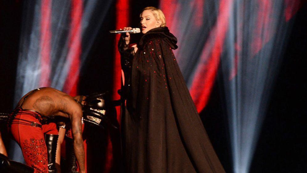 Unsanfter Sturz bei den Brit-Awards
