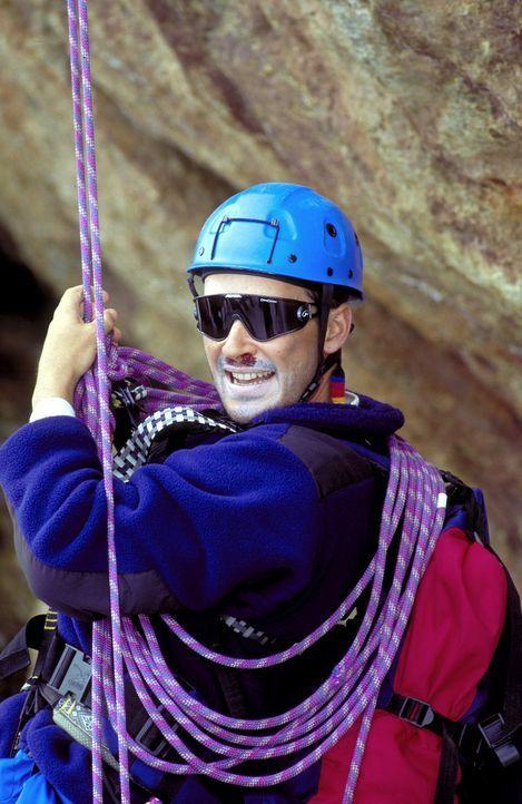 Eines Tages begibt sich der leidenschaftliche Bergsteiger Nicolas Amberg (Michael Roll) auf eine verhängnisvolle Tour ... - Bildquelle: ProSieben
