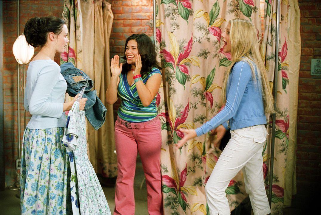 Wahre Freundschaft verbindet Lena (Alexis Bledel, l.), Tibby, Carmen (America Ferrera, M.) und Bridget (Blake Lively, r.) miteinander. Ihr ganzes Le... - Bildquelle: Warner Bros.