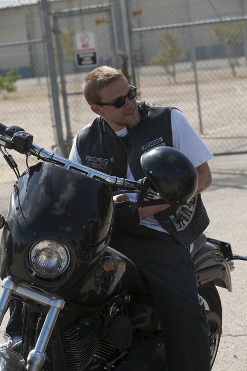 Wenigstens seine äußeren Wunden sind geheilt: Jax (Charlie Hunnam) ... - Bildquelle: 2011 Twentieth Century Fox Film Corporation and Bluebush Productions, LLC. All rights reserved.