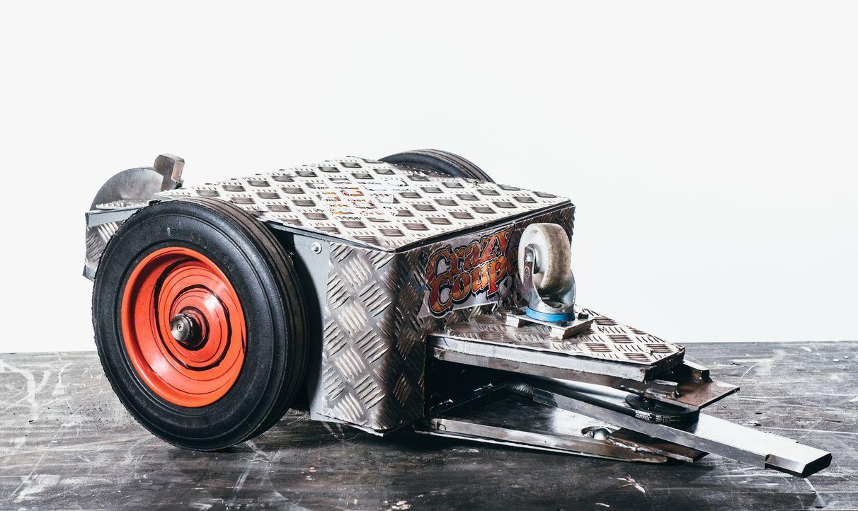 Dieser Roboter soll für das Team Crazy Coupe 88 in der Kampfarena gegen die Maschinen der anderen Teilnehmer antreten. Wird er Erfolg haben? - Bildquelle: Andrew Rae