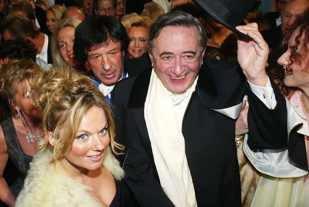 Geri-Halliwell-Richard-Lugner-05-02-03-AFP - Bildquelle: AFP