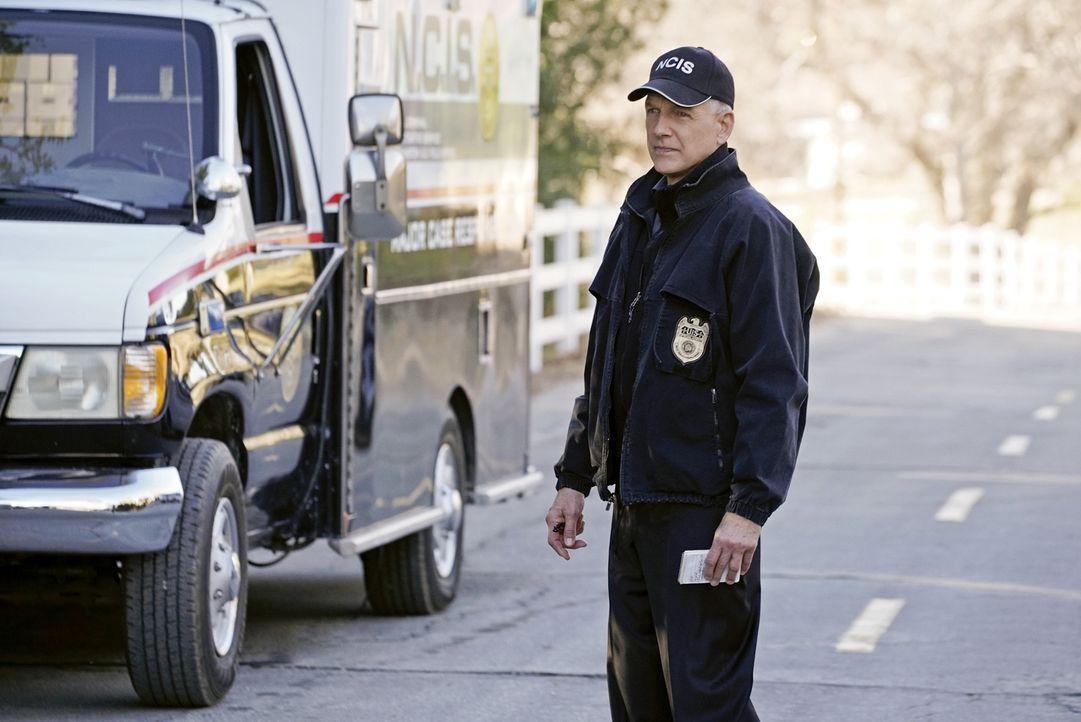 Muss zusammen mit seinem Team einen neuen Fall lösen: Gibbs (Mark Harmon) ... - Bildquelle: Jace Downs 2016 CBS Broadcasting, Inc. All Rights Reserved
