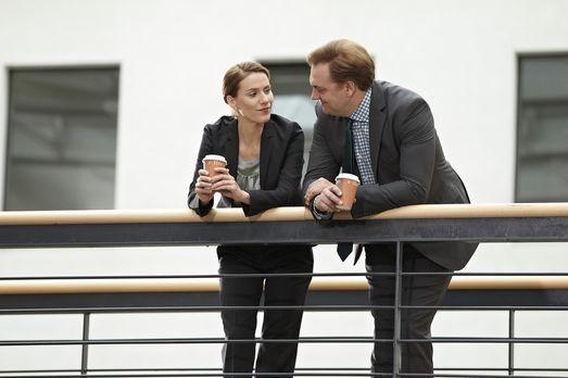 Ladykracher - Herr Jacobs (Charly Hübner, r.) und Frau Brockob (Bettina Lampr...