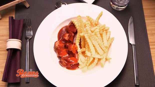 Currywurst-mit-Pommes