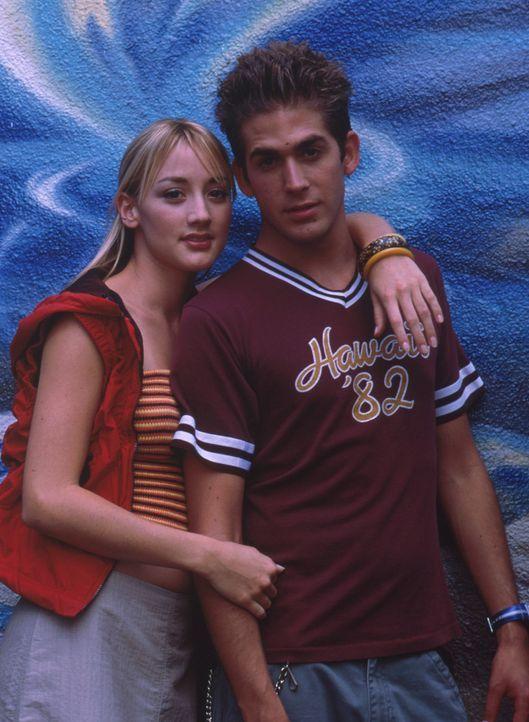 Als Billy (Eric Szmanda, l.) die Tänzerin Maya (Bree Turner, r.) kennen lernt, verliert er sogleich sein Herz an das attraktive junge Mädchen ... - Bildquelle: Mistral Pictures, LLC