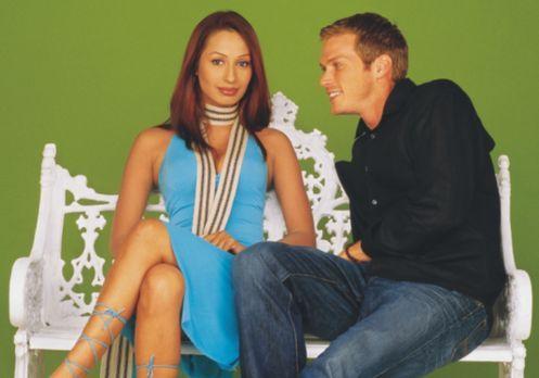 My Bollywood Bride - Alex Venice Beach (Jason Lewis, r.) ist Werbetexter und...