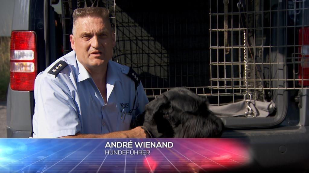 POL - Hundef++hrer Andr+® Wienand - Bildquelle: SAT.1
