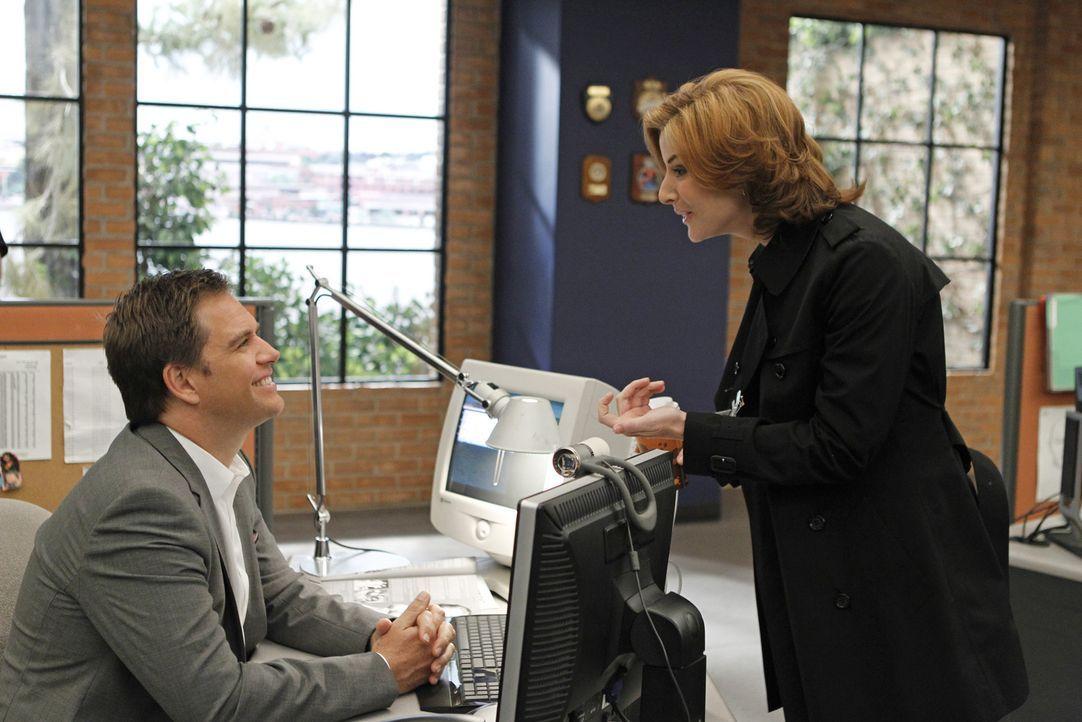 Arbeiten gemeinsam um einen neuen Fall zu lösen: Agent Abigail Borin (Diane Neal, l.) und Tony (Michael Weatherly, r.) ... - Bildquelle: CBS Television