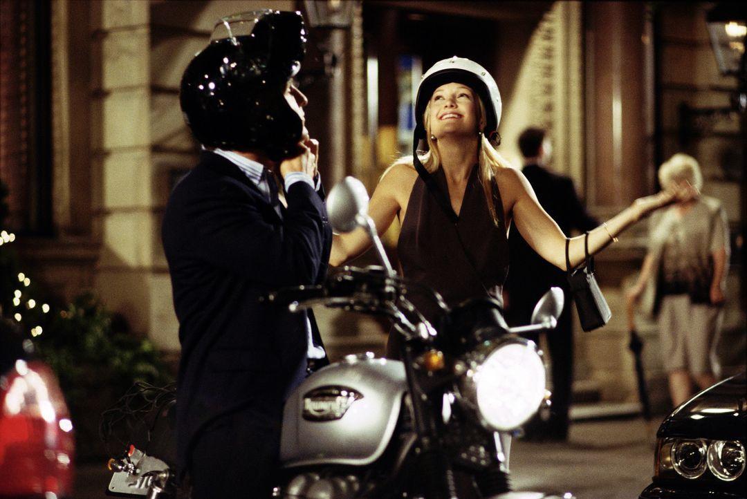 Werbefachmann Ben (McConaughey, l.). lässt sich, um an einen großen Auftrag zu kommen, auf die Wette ein, eine beliebige Frau innerhalb von 10 Tag... - Bildquelle: Paramount Pictures