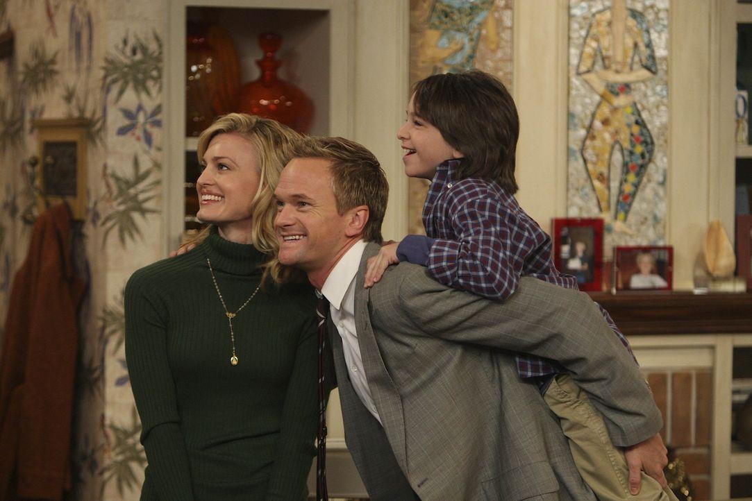 Lily, Marshall, Ted und Robin sind überrascht Barney (Neil Patrick Harris, M.) als liebenden Ehemann von Margaret (Brooke D'Orsay, l.) und Vater vo... - Bildquelle: 20th Century Fox International Television