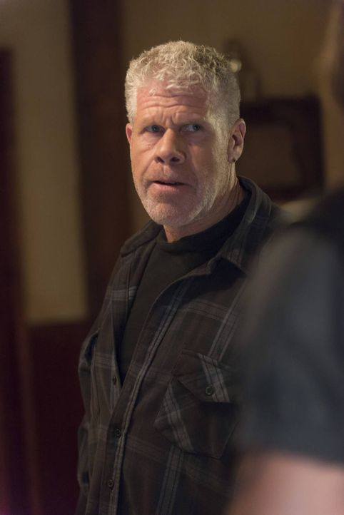 Neue Erkenntnisse über Clays (Ron Perlman) Machenschaften sorgen für einige Probleme ... - Bildquelle: 2012 Twentieth Century Fox Film Corporation and Bluebush Productions, LLC. All rights reserved.