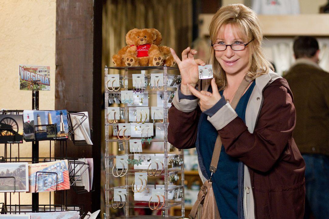 Ist überglücklich, mit ihrem Sohn auf Geschäftsreise gehen zu dürfen: Joyce (Barbra Streisand) ... - Bildquelle: Sam Emerson MMXII Paramount Pictures Corporation. All Rights Reserved.