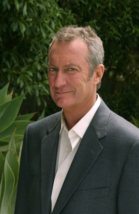 Charmanter Lebemann: Hal Thorne (Bryan Brown) ... - Bildquelle: 2004 Sony Pictures Television Inc. All Rights Reserved.