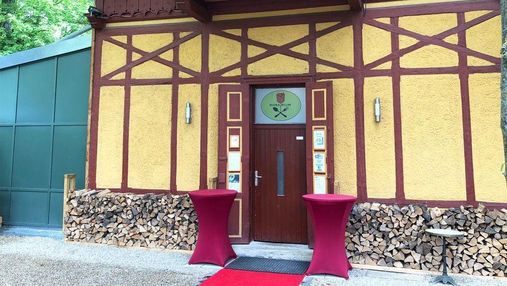 restaurant rosarium in regensburg. Black Bedroom Furniture Sets. Home Design Ideas