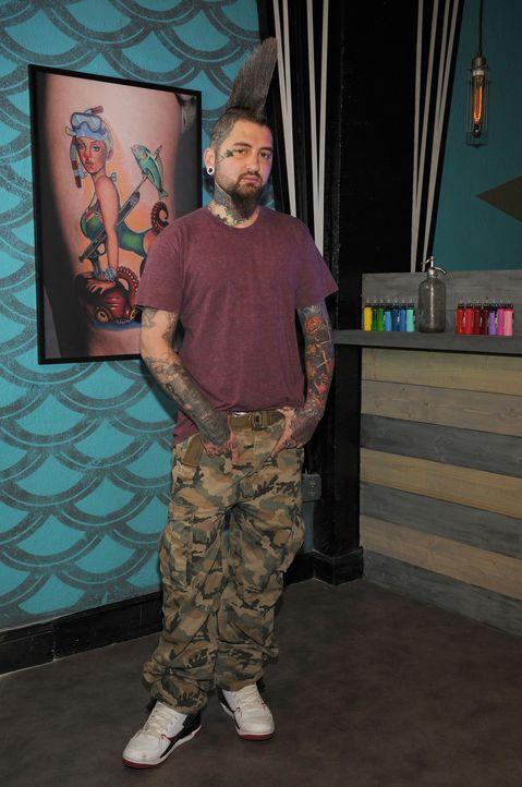 Clint Cummings sieht in keinem Tattoo ein Hindernis, sondern immer eine Herausforderung ... - Bildquelle: Jeff Daly spike