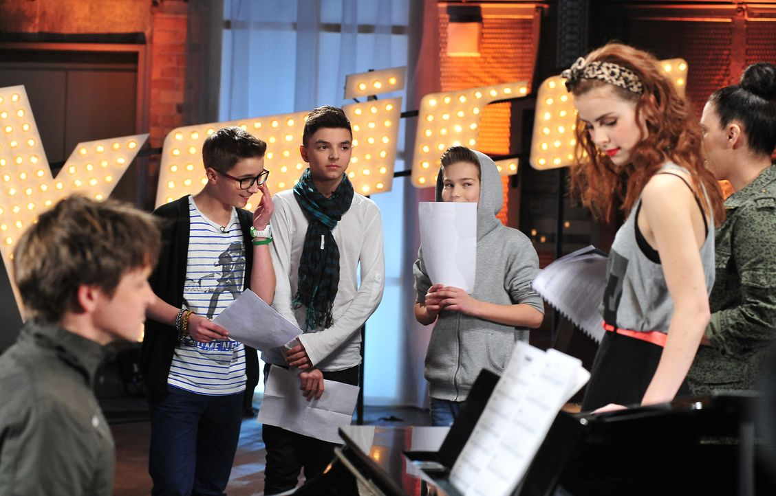 The-Voice-Kids-Stf02-Epi06-Noah-Stepan-Theodore-100-SAT1-Andre-Kowalski - Bildquelle: SAT.1/Andre Kowalski