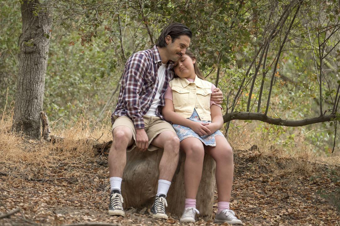 (v.l.n.r.) Jack Pearson (Milo Ventimiglia); Kate Pearson (Mackenzie Hancsicsak) - Bildquelle: Ron Batzdorff 2017-2018 NBCUniversal Media, LLC.  All rights reserved./Ron Batzdorff