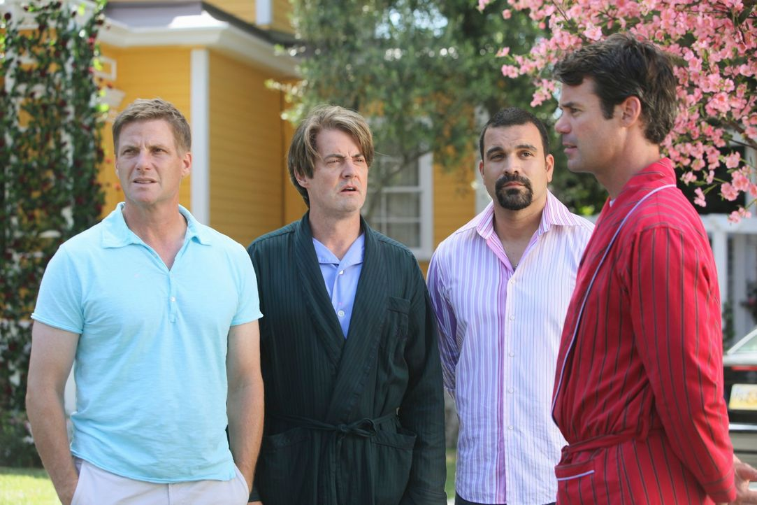 Carlos (Ricardo Antonio Chavira, 2.v.r.), Orson (Kyle MacLachlan, 2.v.l.), Tom (Doug Savant, l.), Bob (Tuc Watkins, r.) können sich nicht vorstellen... - Bildquelle: ABC Studios