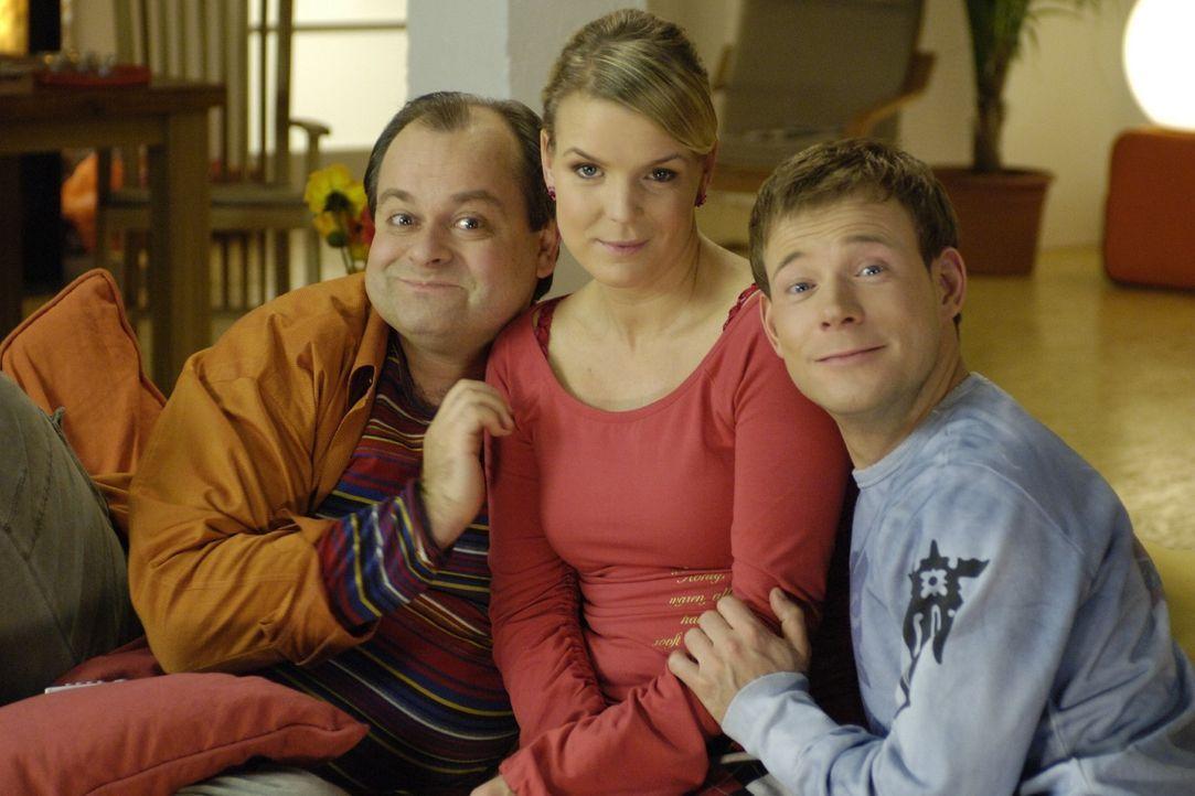 """v.l.n.r.: Markus Majowski, Mirja Boes und Mathias Schlung sind die """"Dreisten Drei"""", die in einer Comedy-WG zusammenleben. - Bildquelle: Sat.1"""