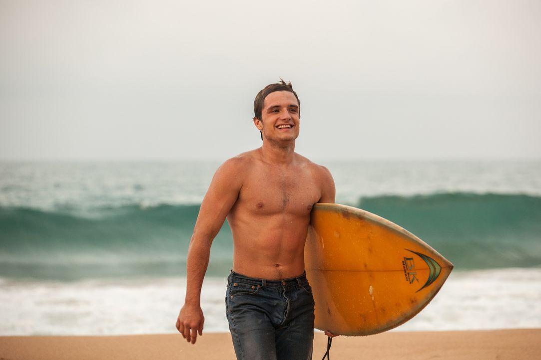 Der junge Kanadier Nick (Josh Hutcherson) reist mit seinem Bruder und dessen Frau nach Kolumbien, um dort als Surflehrer zu arbeiten - nicht ahnend,... - Bildquelle: 2014 CHAPTER 2 - NORSEAN PLUS - PARADISE LOST FILM A.I.E