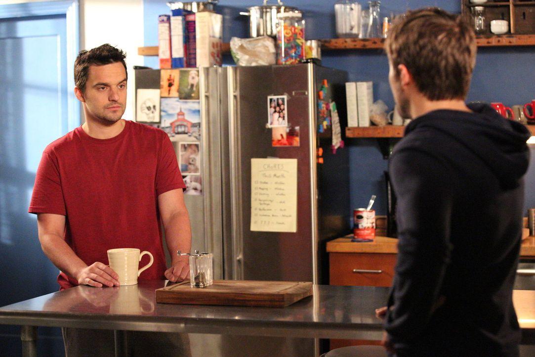 Vor Ian (Michael Stahl-David, r.) gibt sich Nick (Jake Johnson, l.) als schwul aus. Ist das wirklich eine gute Idee? - Bildquelle: 2014 Twentieth Century Fox Film Corporation. All rights reserved.