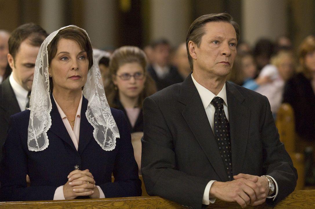 Der biedere FBI Agent Hanssen (Chris Cooper, r.) wird verdächtigt, als Doppelagent den Russen geheime Informationen zu verkaufen. Dient seine Ehe m... - Bildquelle: Universal Pictures