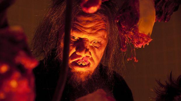 Endlich Frischfleisch: Der Kannibale Saw-Tooth (Scott Johnson) kann sein Glüc...