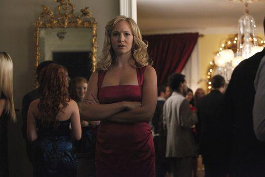 Vampire Diaries - Caroline Forbes (Candice Accola) versteht die Welt nicht me...