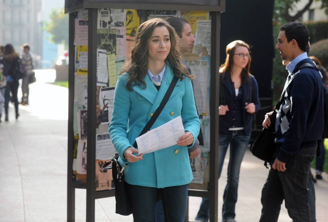 Völlig verwirrt läuft Tracy (Cristin Milioti) am Uni-Campus entlang, da sie glaubt, im falschen Kurs gewesen zu sein ... - Bildquelle: 2014 Twentieth Century Fox Film Corporation. All rights reserved.