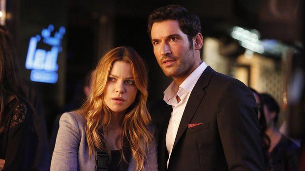 Lucifer (Tom Ellis, r.) hilft Chloe (Lauren German, l.) bei einem neuen Fall,...